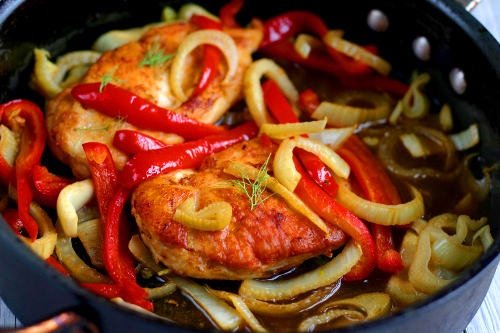 Sweet Pepper and Fennel Chicken with White Wine Sauce