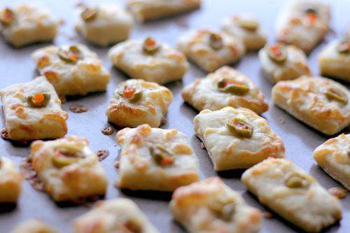 Cheddar-Olive-Crackers
